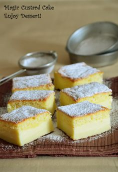 Prajitura inteligenta, care mai poarta denumirea de prajitura desteapta, este o prajitura foarte cunoscuta si indragita pe la noi. Varianta ei americana/englezeasca are un nume care atrage si mai mult atentia: magic custard cake – adica o prajitura magica cu crema de lapte si oua.  Ce este magic la aceasta prajitura este modul in […] Magic Custard Cake, Cake Bars, Dessert Recipes, Desserts, Dessert Ideas, Cornbread, Cheesecake, Pudding, Sweets
