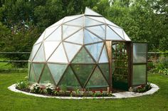 Add Polish To Your Property With This Landscaping Advice Geodesic Dome Greenhouse, Underground Greenhouse, Geodesic Dome Homes, Backyard Greenhouse, Small Greenhouse, Backyard Landscaping, Outdoor Projects, Garden Projects, Permaculture Design