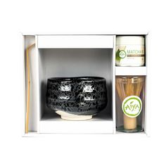 Premium Matcha Gift Set Black Pearl. From Matcha newbies to lovers, this Matcha gift set is the perfect choice. It has everything you need to enjoy Matcha at home!