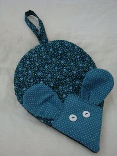 MOUSE  Pot Holder  Blue. $6.50, via Etsy.