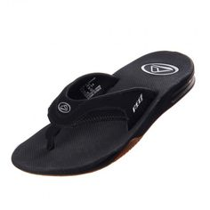 Nada como estar cómodo y disfrutar de la playa o la alberca usando las sandalias #Reef Fanning. Estas innovadoras sandalias cuentan con un destapador de botellas integrado en la suela, para que seas el que salve la fiesta.