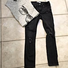Banana Republic fade out black distressed jeans! Adorable distressed denim from the premium line - excellent stretch and recovery- cute skinny fit! Banana Republic Jeans Skinny