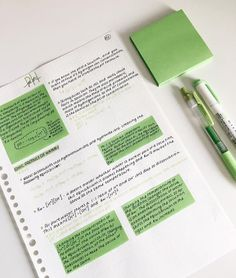 i really like the color of thesw post-it notes. i really like the color of thesw post-it notes. College Notes, Study Organization, School Organization Notes, School Study Tips, Study College, Study Journal, Pretty Notes, Cool Notes, Study Hard