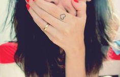 Finger Tattoo Herz