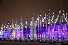Suomi pukeutui juhlaan – tältä näyttää Helsingissä nyt