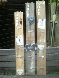 Memobord / magneetbord van oud pallethout. Sloophout.