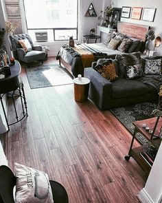 Before & After: My Studio Apartment in Downtown Seattle — Moda Misfit Studio Apartment Furniture, Studio Apartment Living, Studio Apartment Divider, Tiny Studio Apartments, One Room Apartment, Studio Apartment Design, Small Apartment Design, Studio Apartment Decorating, Studio Living
