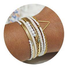 Bracelet bohème blanc et crème fermoir aimanté doré