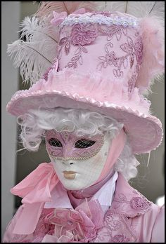 Pretty Venetian costume and mask. #masks #venetianmasks http://www.pinterest.com/TheHitman14/artwork-venetian-masks-%2B/