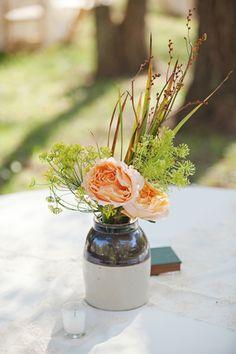 crockery centerpieces | Paperlily Photography #wedding