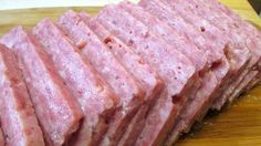 Homemade Spam~It's probably better than what you can buy in the store. Spam Recipes, Copycat Recipes, Pork Recipes, Cooking Recipes, Keto Recipes, Homemade Summer Sausage, Homemade Sausage Recipes, Homemade Spam Recipe, Homemade Luncheon Meat Recipe