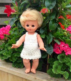 Gehaakt jurkje voor pop 35 cm. Made by Margriet