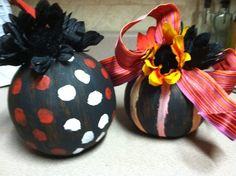 We painted pumpkins at our October United Methodist Women Meeting.  I loved these so much I had a really hard time giving them up to my son's school fund raiser.