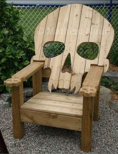 31 DIY Pallet Chair Ideas   Pallet Furniture Plans by kimberly b76