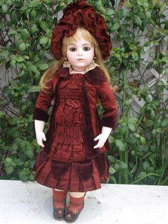 Stunning Antique French doll Bru jeune 1882 Size 9
