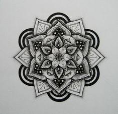 Mandala zum Ausmalen auf grauem Hintergrund, 3 D Mandalas, 3 D Effekt, vielschichtig, optische Illusion