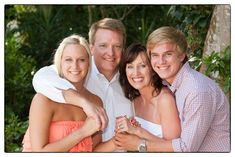 older children family poses | Pose- love this family photo with mom, dad and older kids. | Posing