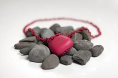 Louis Filosa's 3D printed Cobble Necklace has won the FOC Talents Challenge 2011 summer edition which was held in cooperation with designer Ross Lovegrove.