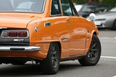 Mazda Familia, Car Racer, Japanese Cars, Old Cars, Wheels, Classic, Vehicles, Derby, Classic Books