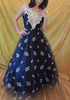 A Gown for the Emmys! Vintage Tulle, Lace, Sequins Long Formal/1940s/1950s Wide Lace Panel Down Back/Full Skirt/Vintage 40s/50s/Medium/Lace by susieqsflashback. Explore more products on http://susieqsflashback.etsy.com