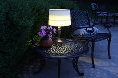 an outdoor lamp using old lamps and solar lites! Light Up Your Night With an Easy Outdoor Table Lamp Outdoor Solar Lamps, Outdoor Table Lamps, Outdoor Lighting, Outdoor Rooms, Diy Solar, Solar Powered Lamp, Magazine Deco, Boutique Deco, Old Lamps