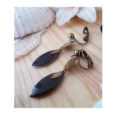 ▲ OMIA ▲ Boucles d'oreilles montées sur des clips avec un sequin émaillé noir en…