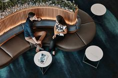 Qantas has unveiled its new Brisbane International Lounge, a luxurious space inspired by tropical Northern Australia, designed in collaboration with Geyer.