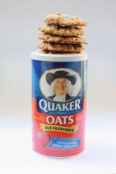 "Elizabeth's Edible Experience: Pro-m""oat"" Vanishing oatmeal cookies - the old/original Quaker oatmeal raisin cookie recipe"