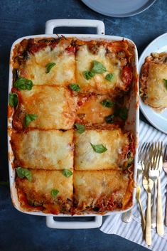 Roasted Zucchini and Eggplant Lasagna Roasted Zucchini and Eggplant Lasagna! This is the best vegetarian lasagna ever! So much flavor and so delicious! Roast Zucchini And Eggplant, Zucchini Aubergine, Vegan Eggplant, Eggplant Recipes, Cooking Eggplant, Eggplant Lasagna Vegetarian, Vegetarian Lasagna Recipe, Vegetarian Cooking, Cooking Recipes