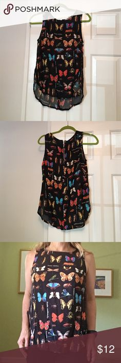 "Black Butterfly/insect flowy tank-sz Sm NWT. Fun bug print! Hi-low hem- front-21"" from neck to bottom hem- back-25"" from neck to bottom hem.  Forever 21 Forever 21 Tops Tank Tops"