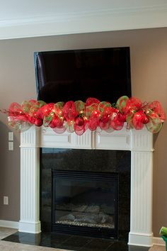 hearth Christmas Fireplace, Christmas Mantels, Christmas Love, Winter Christmas, Beautiful Christmas, Christmas Ideas, Fireplace Mantle, Tv Stand Christmas Decor, Deco Mesh Garland
