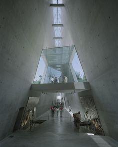 Yad Vashem Holocaust Museum / Safdie Architects (10)