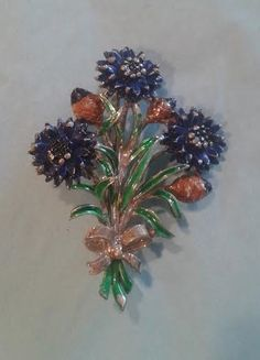 Vintage Floral Brooch signed Exquisite, Early 1950's England.
