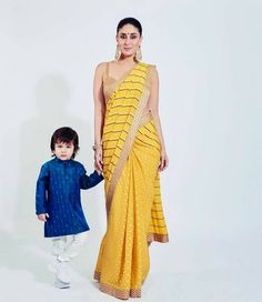Watch: Little Taimur Ali Khan turns productive during mom Kareena Kapoor Khan's photoshoot! : Bollywood News Kareena Kapoor Images, Kareena Kapoor Khan, Bollywood News, Bollywood Actress, Indian Bollywood, Randhir Kapoor, Taimur Ali Khan, Bollywood Celebrities, Indian Actresses