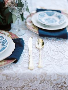 Lace tablecloth and gold cutlery   Marilyn Duvall Photography   see more on: http://burnettsboards.com/2015/08/lush-tuscany-inspired-wedding/
