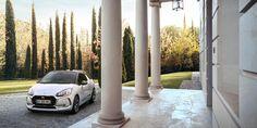 Polska premiera nowego modelu DS3 na targach w Poznaniu. Najnowszy członek grupy PSA pokaże takę unikatowy model koncepcyjny Divine DS. Więcej na: https://www.moj-samochod.pl/Nowosci-motoryzacyjne/Najmlodsza-marka-grupy-PSA-pokaze-sie-w-Poznaniu #PSA #MotorShow #MotorShow2016 #DS #DS3 #DivineDS