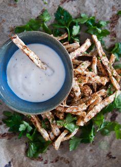 Simple vegan garlic-yoghurt dip / Prosty wegański dip czosnkowo-jogurtowy