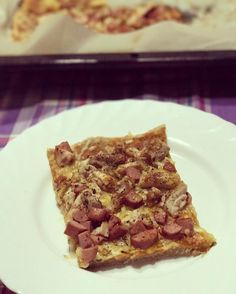 Hora de cenar ! Hace una pizza ?  . Link al vídeo de la recepta en la bio  . #viernesexprés #receta #video #youtube #pizza #instagood #cocina
