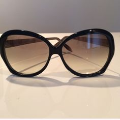 Victoria Beckham sunglasses Victoria Beckham Butterfly sunglasses 💯authentic.. Black with gold arms. Gorgeous. New condition. Comes with box, case. Price is firm.😎 Victoria Beckham Accessories Sunglasses