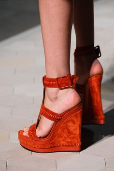 solangeop: Loewe SS 2013 borders moulding morocco orange high heels