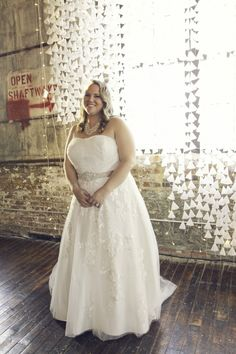 Custom plus size wedding dresses like this can be made to order for you. We also make #replicas of haute couture wedding dresses too. So if your dream dress is pricey consider an inspired design that will have the same style and look for less. Dariuscordell.com