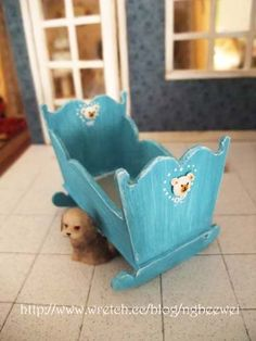 Miniature cradle for dollhouse nursery - traditional, painted with decal. Dollhouse Tutorials, Diy Dollhouse, Dollhouse Miniatures, Barbie Doll House, Barbie Dolls, Miniature Houses, Miniature Dolls, Miniature Furniture, Dollhouse Furniture