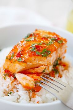 Sweet Chili Salmon – quick and easy salmon with Thai sweet chili sauce. The recipe takes only 15 mins on skillet or you can bake it. WARNING: Using jarred Thai Sweet Chili Sauce DOES NOT Guarantee Gluten Free! Salmon Dishes, Fish Dishes, Seafood Dishes, Fish Recipes, Seafood Recipes, Dinner Recipes, Cooking Recipes, Quick Salmon Recipes, Recipies