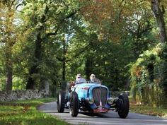 Competing at the Circuit des Remparts.