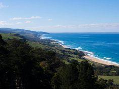 Refreshment #coast #coastal #beach #ocean #surf #surfcoast #view #hills #rollinghills #summer #sunny #apollobay  #greatoceanroad #roadtrip by jrmyth