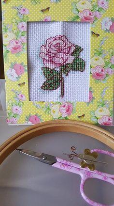 All finished 🙂 im slowly getting my stitchy mojo back . #needlepoint