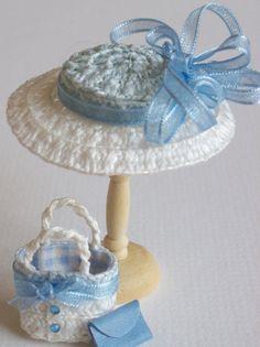 Handmade 1/12 miniature dollshouse blue/white straw hat and bag