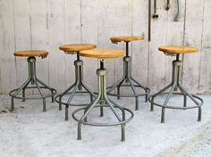 Gallery Industrial Chic Lighting on Melrose Industrial Chic Style, Industrial Stool, Rustic Industrial Decor, Industrial Furniture, Vintage Industrial, Vintage Furniture, Cool Furniture, Furniture Design, Pipe Furniture