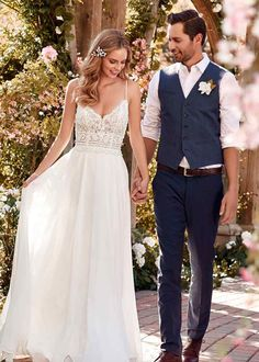 Rebecca Ingram affordable designer wedding dresses and bridal gowns for the budget conscience bride Wedding Robe, Boho Wedding, Wedding Gowns, Dream Wedding, Wedding Tips, Hippie Chic Weddings, Maggie Sottero Wedding Dresses, Relaxed Wedding, Boho Bride