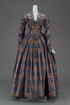 Afternoon dress of plaid silk, American, about 1840, MFA Boston, 51.473